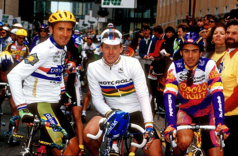 In this photo provided by PhotoSport International shows Malcolm ELLIOTT, (L)  Lance ARMSTRONG (C) and Roberto GAGGIOLI (R) - 1 week after Armstrong won world title in Oslo.