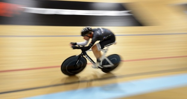 cyclist-jens-voigt-world-record-germany_3205785